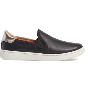 New✨ UGG Cas slip on sneaker
